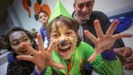 Einige der Kinder hatten sich zur Informations-Veranstaltung auch verkleidet, doch die als Spaßmacher eingeplanten Vertreter der Narrenzünfte fielen aus.