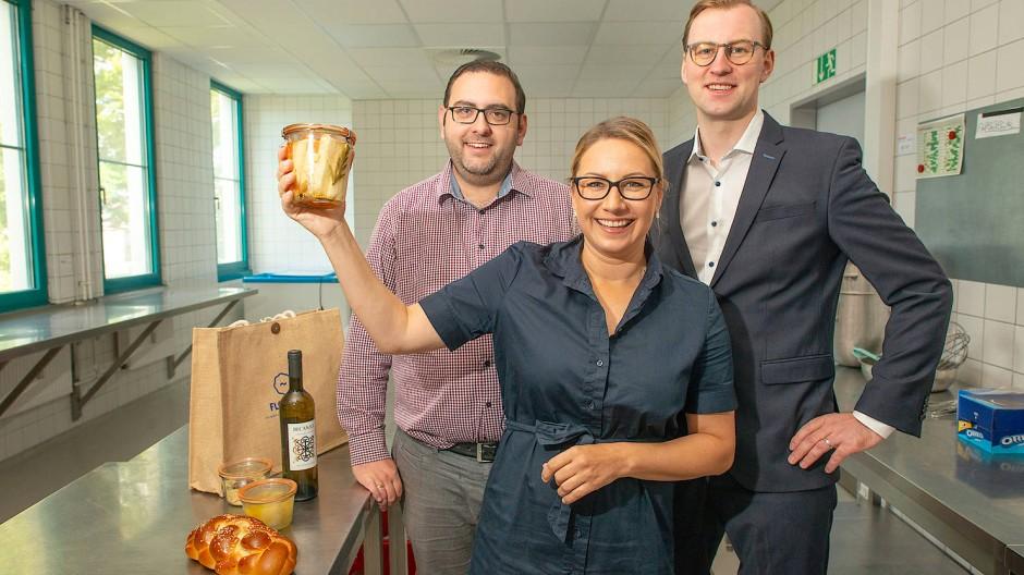 """Die drei Gründer des """"Flowdeli"""": Daniel und Mia Wittstock sowie Florian Große (von links)"""