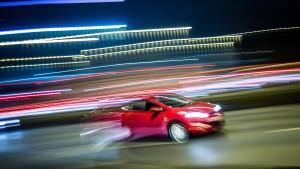 Mann stellt sich nach mutmaßlich illegalem Autorennen