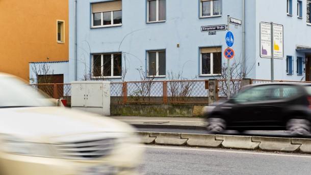 Straßenlärm - Die Königsteiner Straße in Frankfurt-Höchst ist die lauteste Straße der Stadt. Anwohner Wolfgang Stillger erzählt von seinem Leben mit und dem Kampf gegen den Lärm.