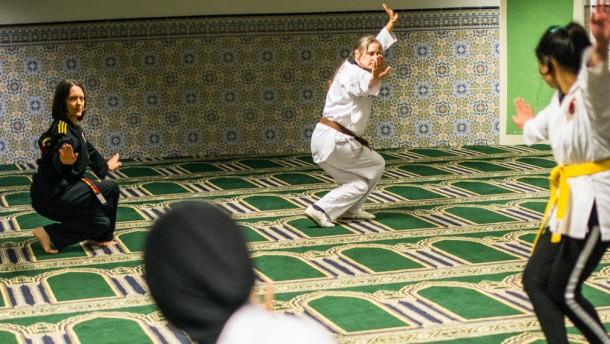 Kampfkunst im Gebetsraum