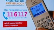 Hotline-Mitarbeiter werden oft bedroht und beschimpft