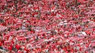Das Rückspiel der Aufstiegsrunde zur 3. Liga: Kickers Offenbach - 1. FC Magdeburg