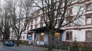 Bald geschlossen: Das Diakonissenkrankenhaus zieht aus dem früheren Kindersiechenhaus aus.