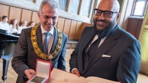 Moses Pelham mit Goetheplakette ausgezeichnet