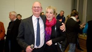 Friedrichsdorfer bestätigen Bürgermeister im Amt