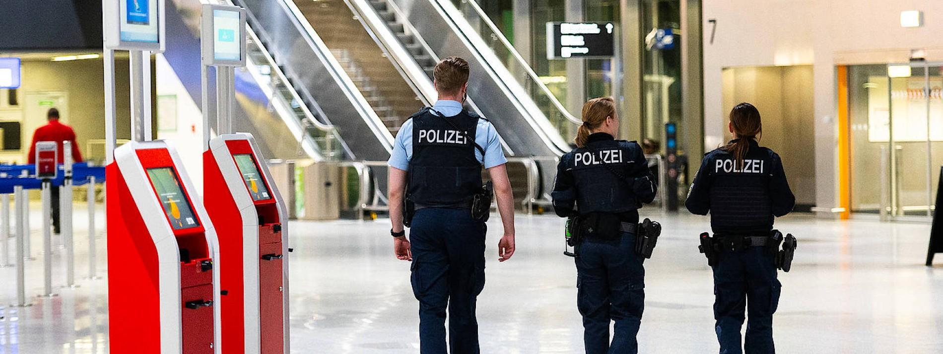 Frankfurter Flughafen nach Bombendrohung evakuiert