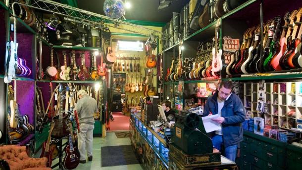 Musikhaus Hummel / Cream Music - Das älteste Musikhaus Frankfurts, in dem schon Elvis Presley eine Gitarre gekauft hat.