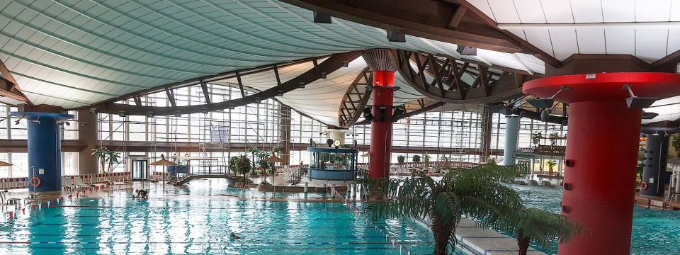 Schwimmbäder Frankfurt fast 200 millionen für frankfurts schwimmbäder