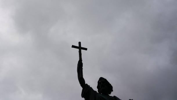 Priester wegen Kinderpornos verurteilt