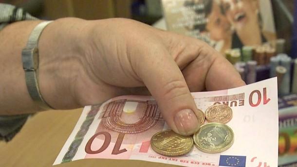 Sachsen-Anhalter tauschen noch immer D-Mark-Bestaende um