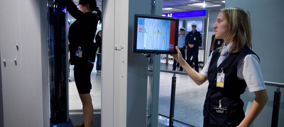 Umstrittene Geräte Körperscanner Für Flüge In Vereinigte Staaten