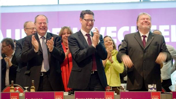 SPD-Landesparteitag -  Beim Parteitag in Hanau sprechen Peer Steinbrück und Thorsten Schäfer-Gümbel, darüber hinaus wird die Liste für den Bundestagswahlkampf aufgestellt.