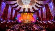 """""""Mein Opernball"""": Der Opernball im Februar 2014 soll neu und anders werden. Glamourös und festlich wird er in jedem Fall."""
