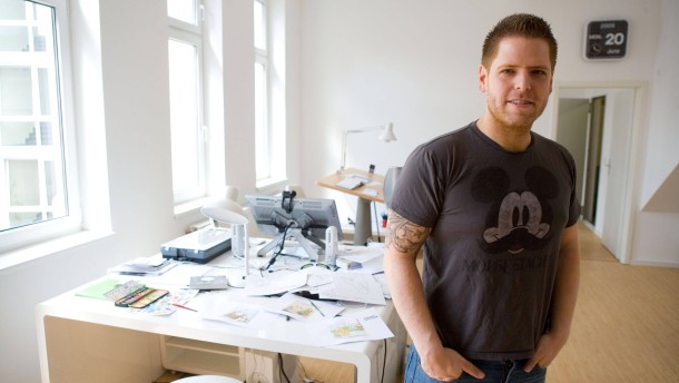 Joscha Sauer - Der Cartoonzeichner berichtet im Gespräch mit  Tim Kanning über seine Arbeit.