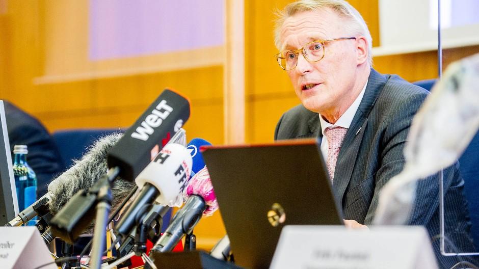 """Ermittlungen längst nicht abgeschlossen"": Albrecht Schreiber Leitender Oberstaatsanwalt in Frankfurt"
