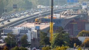 Schiersteiner Brücke vor Öffnung für Laster gesperrt