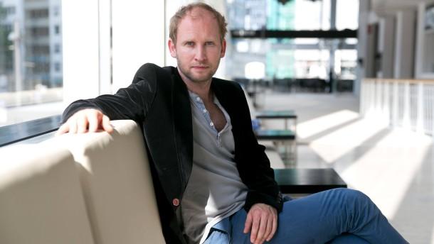 Torben Kessler - Der Schauspieler gehört dem Ensemble des Schauspiels Frankfurt an