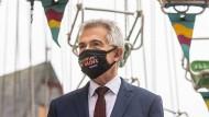 Ein Interview Vorgeschichte: Ein Video von Oberbürgermeister Peter Feldmann wird veröffentlicht.