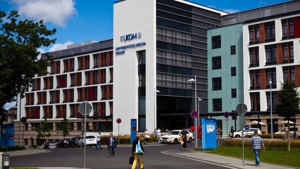 Uniklinik Gie En Marburg Bouffier Weist Kritik Des