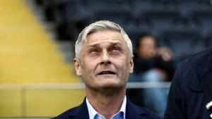 Eintracht-Trainer Veh rügt pomadige Leistung