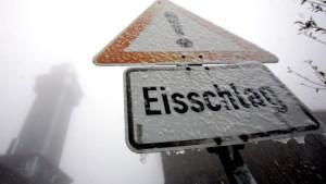 Erster Schnee in Taunus und Rhön