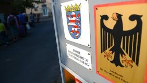 Hessen muss Flüchtlinge in Zelten unterbringen