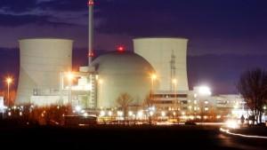 Land setzt weiter auf Atomenergie, Stadtwerke gegen Laufzeitverlängerung