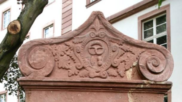 Bürger retten Grabsteine vor dem Verfall