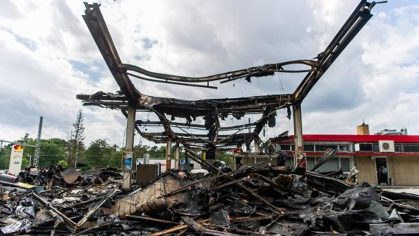 Betonpoller hätten Feuer nicht verhindert