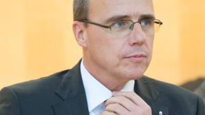 Hessens Beamte ziehen für mehr Geld vor Gericht