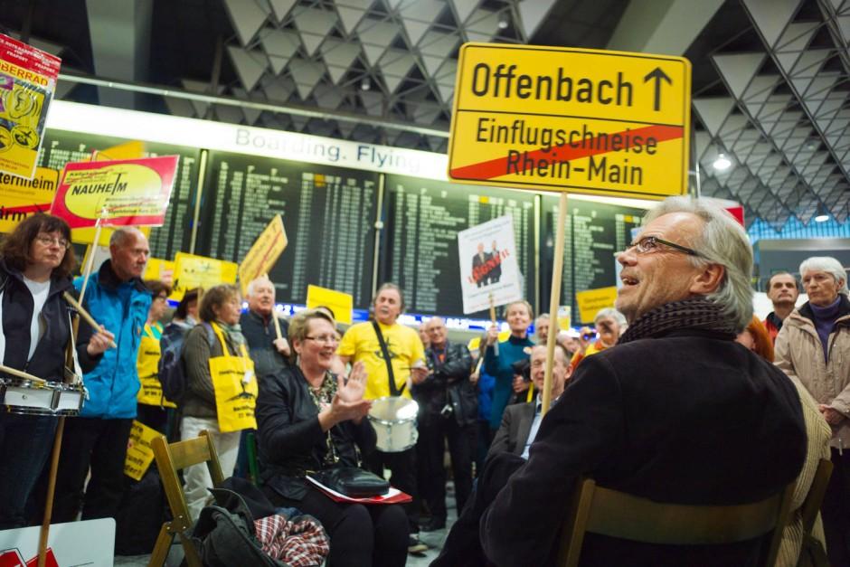 Bild zu gericht offenbach muss flugl rm in randstunden for Depot offenbach