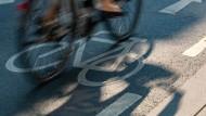 Von wegen Hast: Seit vier Jahrzehnten wünscht sich der dortige Ortsbeirat einen Radweg zwischen Nieder-Erlenbach und Nieder-Eschbach