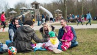 Frühlingserwachen: Familien im Frankfurter Niddapark