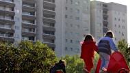 Sozialer Wohnungsbau: Vor allem in Ballungsgebieten sind einige Menschen auf staatlich geförderte Wohnungen angewiesen.