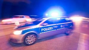 Jugendlicher nach mehreren Fällen von Straßenraub in Untersuchungshaft