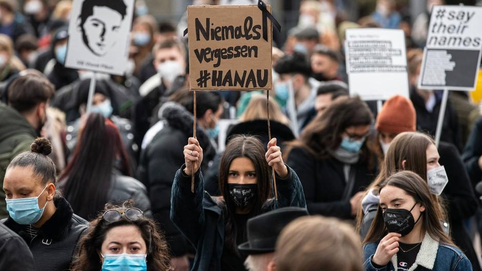 Am Jahrestag des Anschlags: Demonstration auf dem Hanauer Marktplatz am 19. Februar 2021