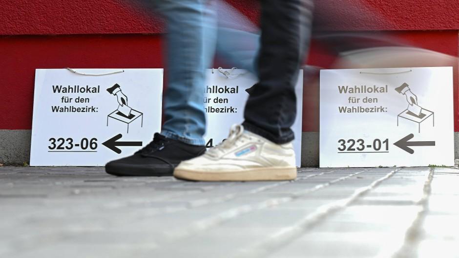 Zuzug: Viele Wahlberechtigte gingen in Hessen in ihre Wahllokale