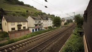 Güterzüge müssen Mittelrheintal umfahren
