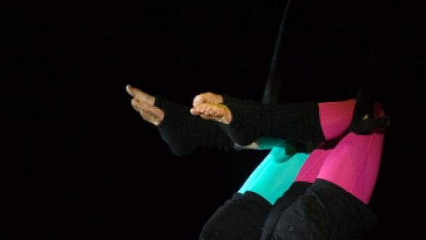 Artistik und Jonglage im Circus Waldoni