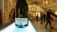 Henkell hat seinen Stammsitz in Wiesbaden und fusionierte 2018 mit dem spanischen Konkurrenten.