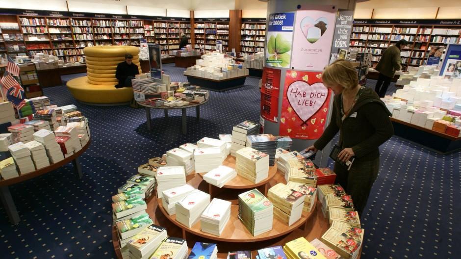 Bücher und was es sonst noch alles gibt: Große Ketten bieten nicht nur Bücher an.