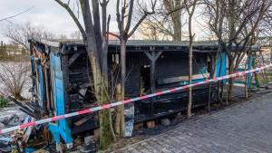 """""""Blaues Haus"""" ein Opfer von Brandstiftung"""