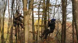 Weitere Aktivistin im Dannenröder Forst abgestürzt
