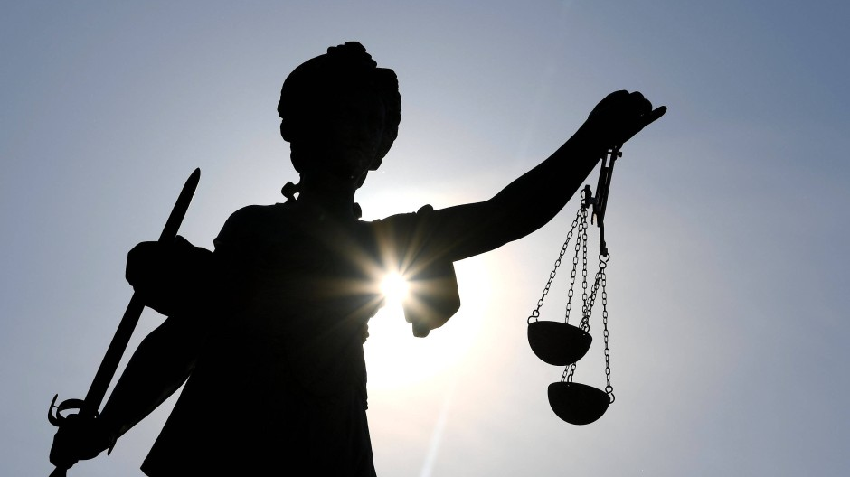 Das Urteil wird erst in einigen Monaten gefällt: In Gießen hat der Mordprozess gegen zwei Männer begonnen.
