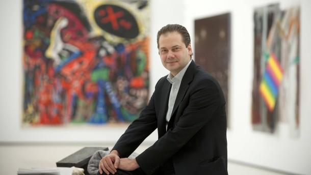 Max Hollein - Der Direktor des Frankfurter Städel stellt sich im Museum dem Fotografen.