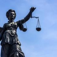 Im Ungleichgewicht: Die Affäre um den Oberstaatsanwalt Alexander B. belastet die Justiz.