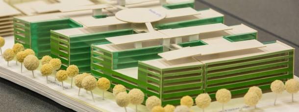 Nicht von Pappe: Der Neubau des Klinikums Höchst, hier ein Modell, soll 237 Millionen Euro kosten.