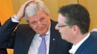 SPD und Linke: Regierung behindert Aufklärung