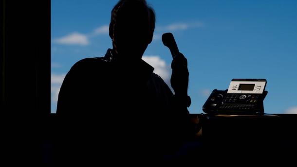Falsche Polizisten erbeuten 500.000 Euro